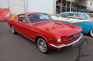 1965_Ford_Mustang_Fastback_(15595256971)