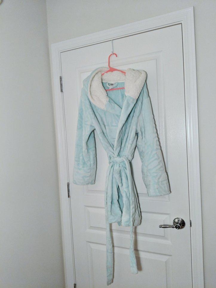 victoria's secret fuzzy robe