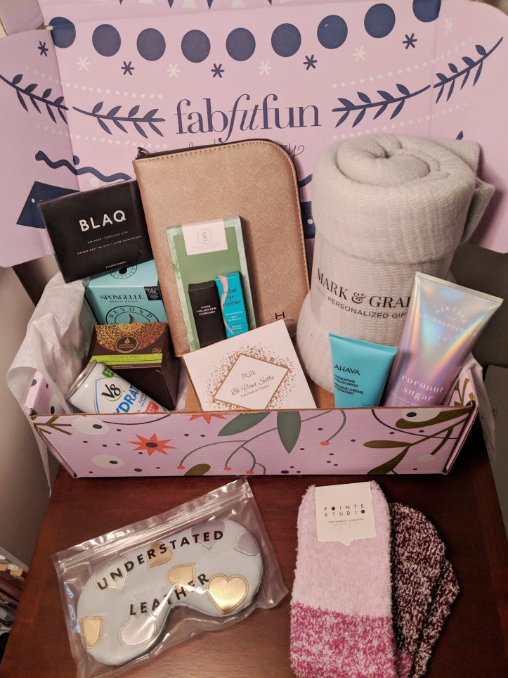 winter 2018 fabfitfun box