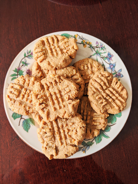 quarantine baking peanut butter cookies
