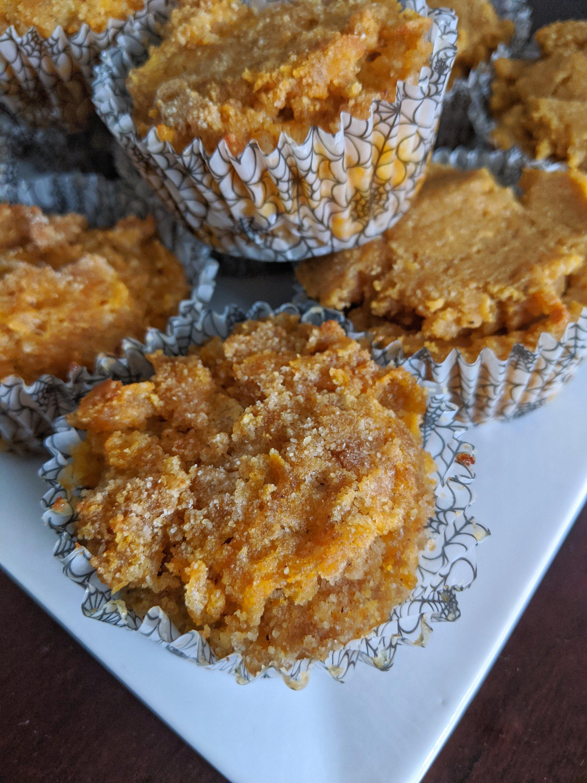 my october bakes pumpkin spice cupcakes